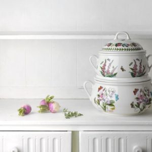 Portmeirion Botanic Garden Sweet Pea Covered Casserole 6pt